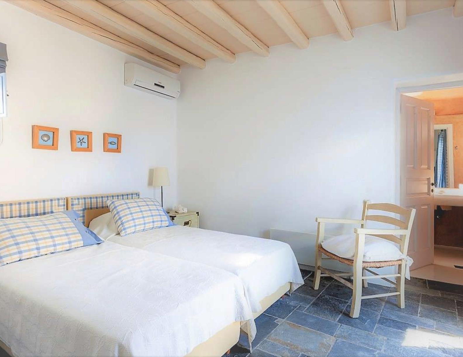 Villa-Abbi,-Mykonos-ilovepdf-compressed-013